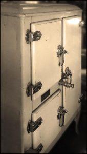 vintage ice box MGD©